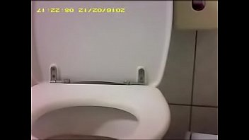 taiwan high school girl in the toilet