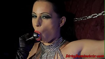 cool domina pleasing her cootchie