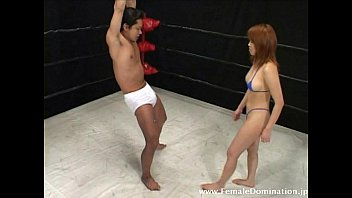 domina crushes slave039_s nut unceasing while in the ring