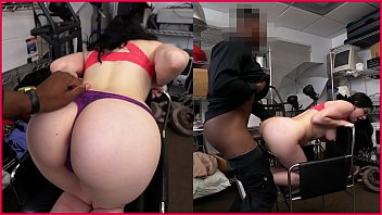 blackloads - norah gold takes on a phat.