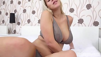nathaly cherie makes herself spunk with.