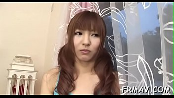 Skinny japanese honey magnetizes with naughty blowjob