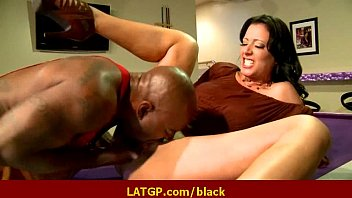 interracial firm romp supah-naughty cougar cutie gets firm.