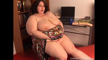 gorgeous plumper dark-haired chats sloppy and gets her.