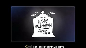 Good Halloween party to Xvideos and all the users - Telexporn