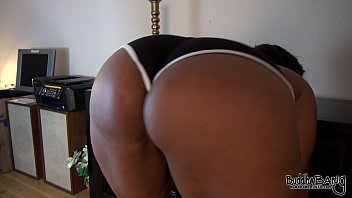 peanut butter039_s good-sized arse taunt-trailer